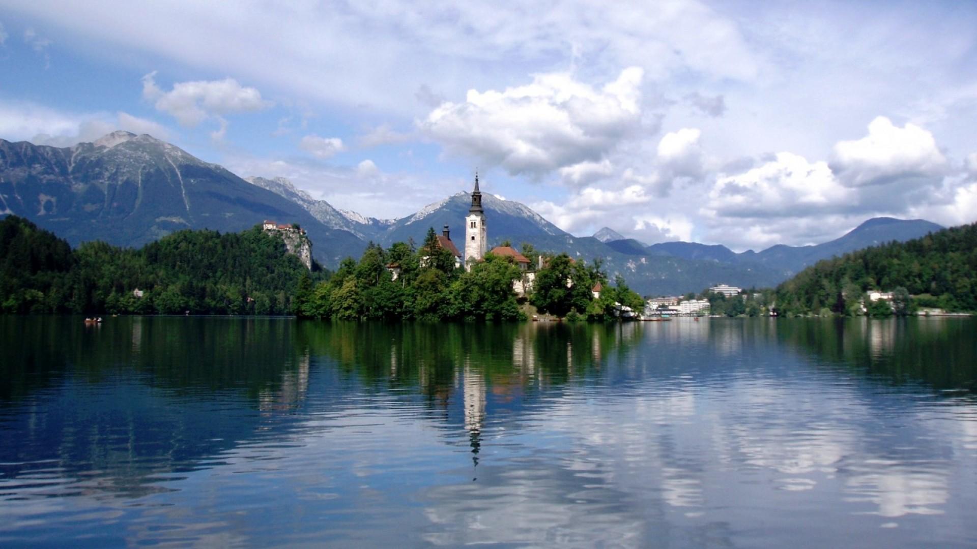 Lake Bled  Slovenia HD Wallpaper
