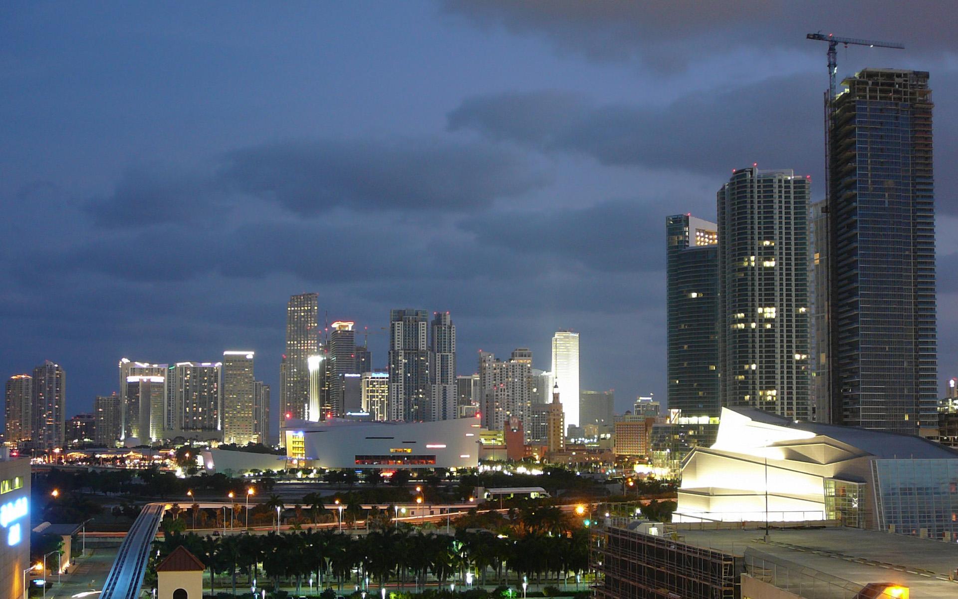 Miami City At Night  Florida  USA Globe  HD Wallpaper